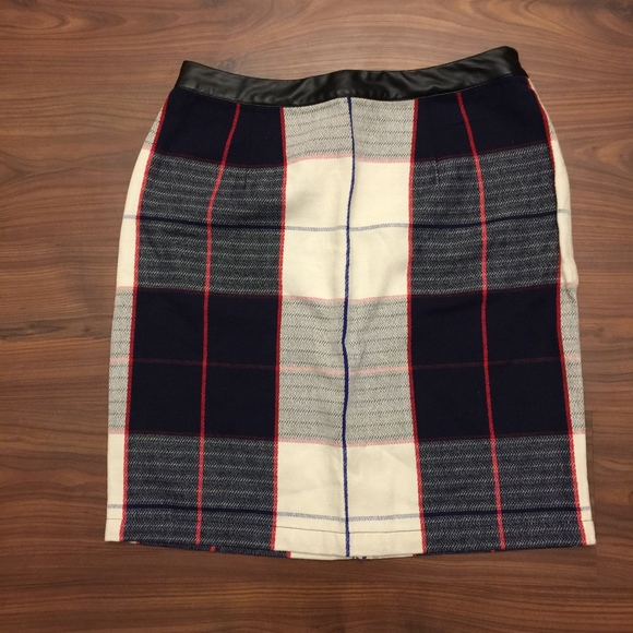 eb5b9a2731 NEW Merona Plaid Faux Leather Trim Skirt Size 12. M_5c0dfb8dc61777bc2af25bcd